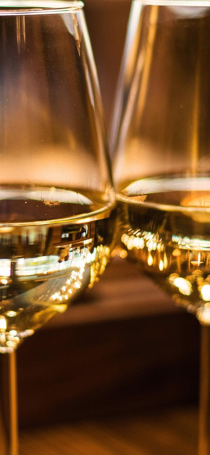 ワインを飲んだ後のコメントってどうすればいい?テースティングのやり方解説 白ワイン